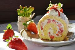 strawberry-roll-1263099_1920